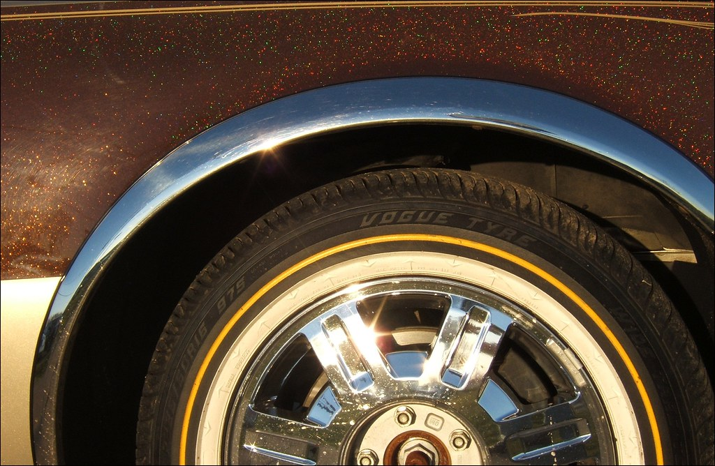 Vogue Tyre and the Brown Sparkalicious Caddy