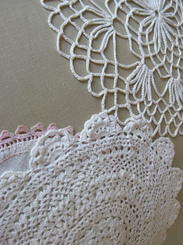 doily pillow detail