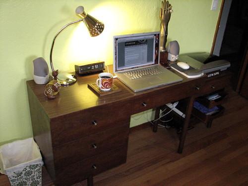 Stanley Desk