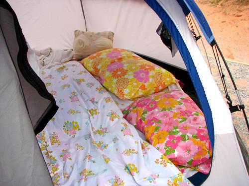 pretty pretty tent bed