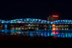 Trang Tien bridge (kuuan) Tags: bridge night 50mm pentax takumar f14 illumination vietnam mf ist smc hue manualfocus pentaxistds 1450 trangtienbridge trangtien f1450mm smctakumar50mmf14