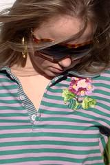 Pólo Rosa/Verde Violetinhas (nanaquel.artesanato) Tags: moda artesanal feltro santacatarina tecido roupas bordado renda aplicação aplicações nanaquel
