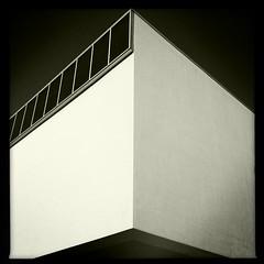 Art deco building. (Trond Bolianatz) Tags: artdecosouthbeach