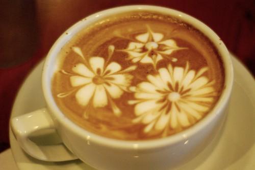 1. На конкурс принимаются фотографии рисунков на кофейной пенке в чашке...