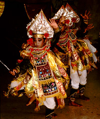 Bali Dancers / Balinese Dance - Little Emperors (Dominic's pics) Tags: bali orange yellow indonesia gold golden dance costume dancers traditional culture slide scan event filter transparency 1998 noise hindu performer dharma canoscan balinese agama seriousexpression reducenoise balinesedance 8800f agamahindudharma