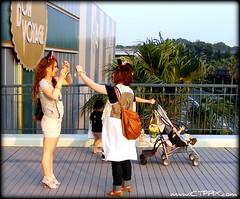 VISITORS OF TOKYO DISNEYLAND (CTPPIX.com) Tags: trip travel girls vacation people japan asian japanese tokyo asia fuji disneyland culture ct disney short finepix fujifilm nippon ctp visitors japanesegirls japon s700 asiangirls japonya tokyodisney s5700 ctpehlivan christpehlivan ctppix