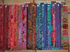 Kaffe Fassett Streifen - stripes (Veri's kleiner Winkel) Tags: color quilt 5 sewing fabric gradient jelly hanging rolls colourful bargello kaffe bunt regenbogen stoff nhen flicken farbverlauf fasset wandbehang streifenstripesstoffstreifen252