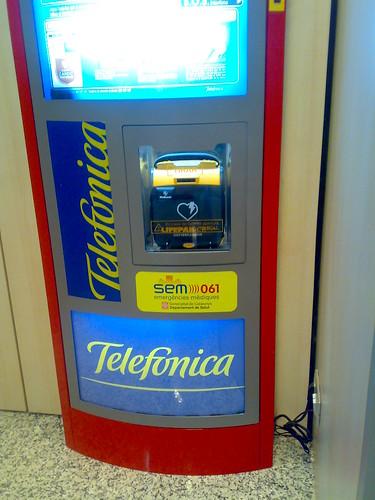 Desfibrilador_Telefonica-03
