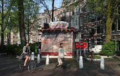 Johnny Jordaan plein by drooderfiets