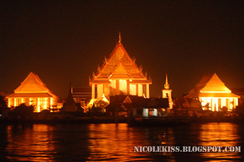 chaopraya river night view 3
