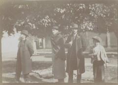 E. Bibesco. Roussel, Vuillard et Bonnard avec un enfant à Cordoue (1901). Musée dOrsay, París