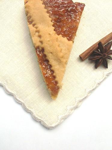 Crostata alla cannella con confettura  di fichi all'anice stellato