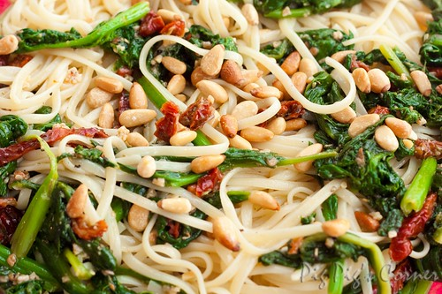 Linguine with Spinach Sun-dried Tomatoes and Pine Nuts
