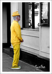 Dressing is a way of life........ (Sunil V N) Tags: london hat yellow fuji unitedkingdom greenwich oldman oldage selectivecolor yellowhat yellowshoes fujis9600 sunilvn malayalikkoottam