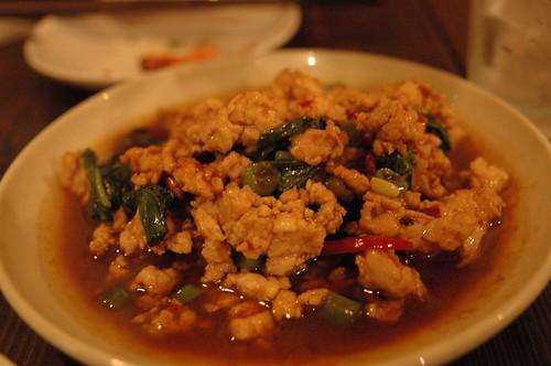鶏バジル炒め(パット・カパオ)