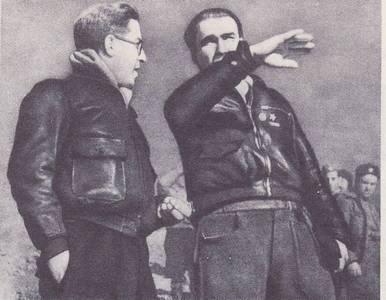Mijail Koltsov junto a Enrique Líster
