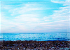 Mirando al Mar........Explore Nº8 (Javi-rz©Photography) Tags: blue sea beach mar mediterraneo looking kodak stones playa mirar piedras mirando albir jayra z1275 jayra09