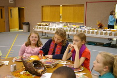 2005 MBC Thanksgiving Service-52 (Douglas Coulter) Tags: 2005 thanksgivingdinner mbc mortonbiblechurch
