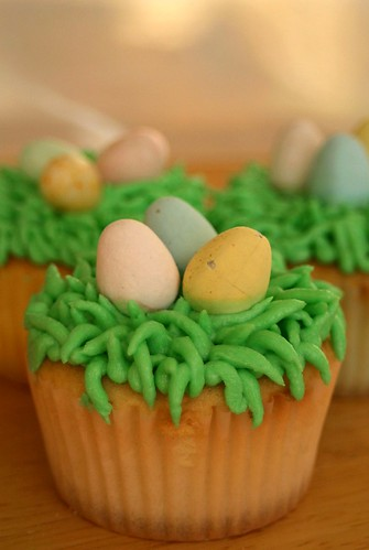 easter cupcakes 005