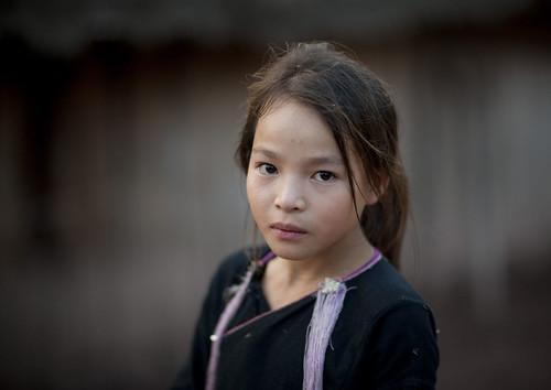 Lan Taen tribe girl Laos by Eric Lafforgue.