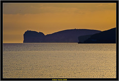Faro de Capo Caccia (vfr800roja) Tags: sardegna sunset nikon puestadesol cerdea alghero capocaccia d700