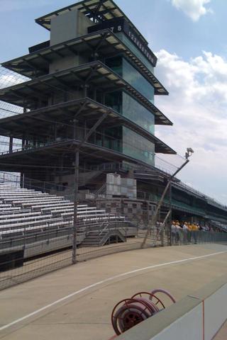 Mutt Strut Race Track