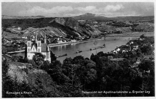 Remagen a. Rhein, Teilansicht mit Apollinariskirche u. Erpeler Ley