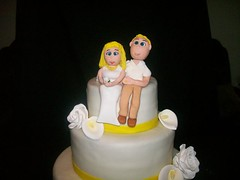 gumpaste bride and groom cake topper (Enchanted Cakes of Brevard) Tags: groom bride caketopper gumpaste