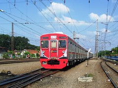 KRL Jalita depart Manggarai (chris railway) Tags: railroad red urban station japan train indonesia tren eisenbahn railway zug jakarta emu  trem treno ka bogor trein ferrocarril ferrovia rel treni spoorweg jabotabek  krl   chemindefer  pocig   comuter komuter manggarai trainphoto penumpang ekonomi keretaapi trainphotography  jalita     oto keretalistrik penglaju ekonomiac ferrovipathe  ferrovira fotografiaferrovira