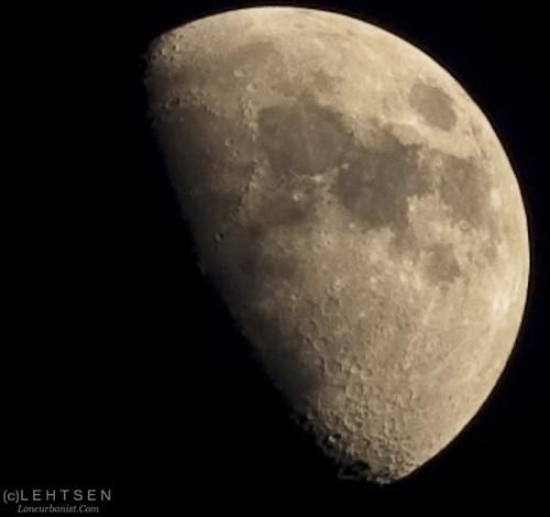 Moon 04222010 at 0807PM