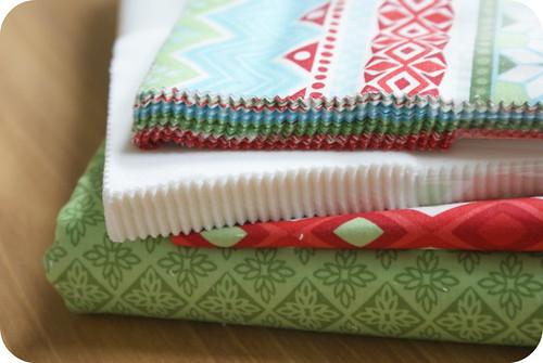 yummy synchronized squares quilt along fabrics. <--ho ho ho merry christmas!!!