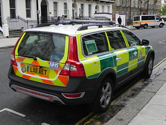 London Ambulance Service | Volvo XC70 | Rapid Response Vehicle | LX11 AET (EmergencyVehiclePics1) Tags: new las blue london car race hospital lights mercedes pier video amazing call respect bell fast run ambulance led yelp leds shape brand siren iveco callout shout 999 wail on the officers bullhorn twotone lifesavers zafira sprinter strobes airhorn rrv