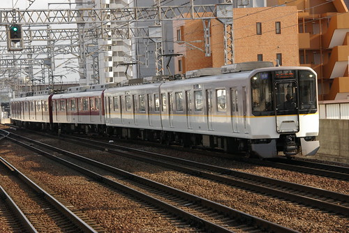 Kintetsu6820series in Imagawa,Osaka,Osaka,Japan 2009/4/2