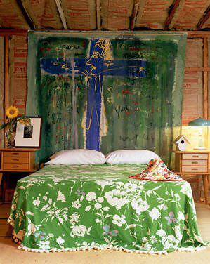 Finally a how to how to make a tapestry headboard on the - Deco chambre jeune homme ...