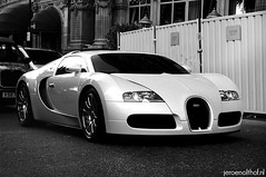 Bugatti Veyron 16.4 (Jeroenolthof.nl) Tags: world uk england bw white black color london beautiful car modern volkswagen photography grey lights is amazing nice movement jeroen nikon view shot britain united rear great d70s kingdom automotive harrods east emirates explore arab londres gb if 164 paparazzi rrr 407 lovely middle nikkor abu dhabi bugatti zwart wit londra exclusive supercar fastest vr 56 eb engeland londen veyron zw f35 emirati automotion molsheim 1685 olthof wwwjeroenolthofnl jeroenolthofnl jeroenolthof