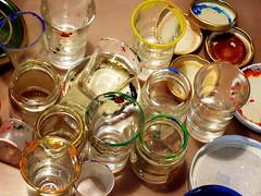 Giochiamo con i colori? (caramellamenta) Tags: colors glasses paint 365