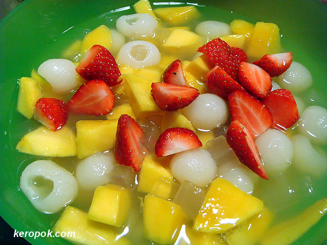 Mango, Aloe Vera, Longan and Strawberries!