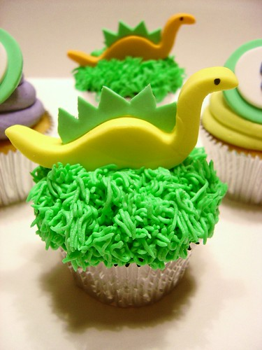 When Dinosaurs Roamed the Cupcake!!