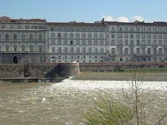 Firenze-Looking north over the Arno. April 2009 (liam1260) Tags: florence firenze arno pon
