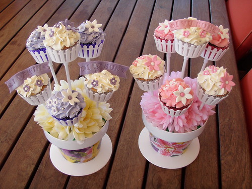 Mossy's Masterpiece - Mother's day cupcake bouquets violet/pink