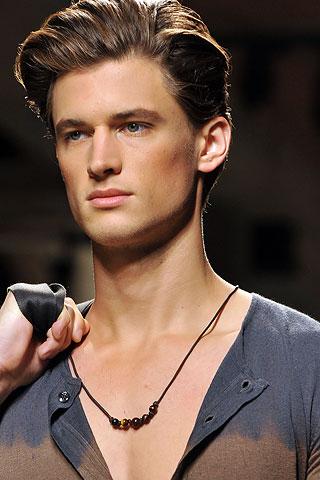 Garrett Neff318_SS10_Milan_Bottega Veneta(Men Style.com)