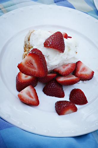 StrawberryAngelFoodDessert
