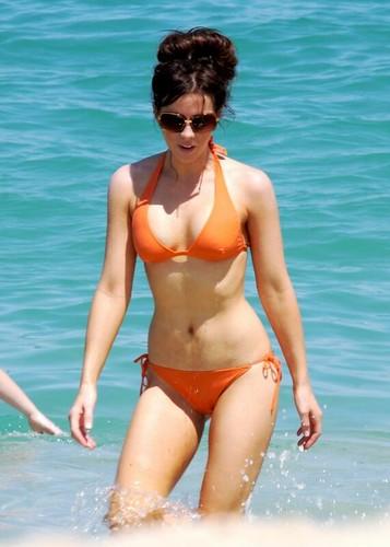 Kate Beckinsale in bikini on beach