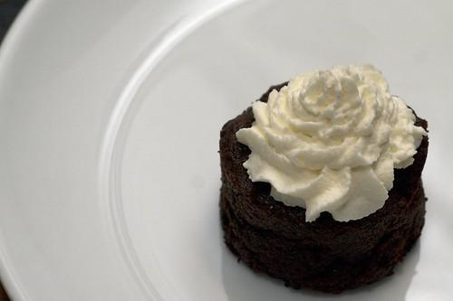 flourless chocolate cake mini