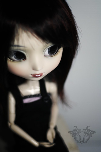 Vivienne (by ♠ R u i ♠)