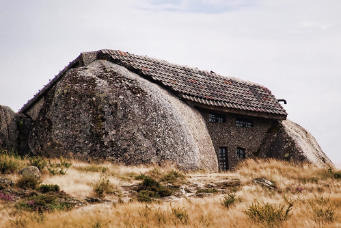 Casa no Monte - Stone House of Fafe