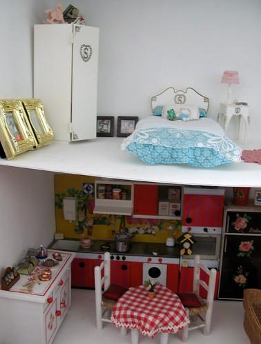 Dollhouse en construction 3331201558_ee787a136a