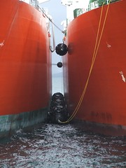 2007_0122hogmanyandtanker0040 (Kellydrever1) Tags: sea water orkney ship lpg scapaflow shiptoship