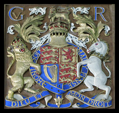 The Royal Coat of Arms; St Giles, Hampton Gay, Oxfordshire (Martin Beek) Tags: ireland england church architecture scotland heraldry coatofarms lion unicorn isolated cherwell heraldic hamptongay royalstandard lionandunicorn royalcoatofarms stgileshamptongay