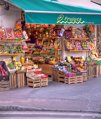 Frutera (fruit stand) (marcp_dmoz) Tags: madrid espaa frutas fruits vegetables spain hortalizas frutera fruitsstand vegetablesstand